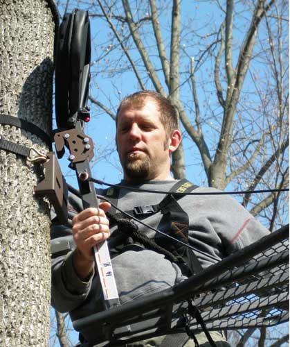 Hang-On Buddy Universal Treestand Mounting System