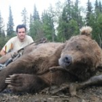 Bowhunting Brown bear -Gonzalo Serratosa