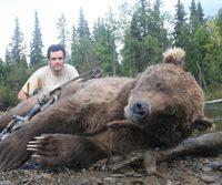 Bowhunting Brown bear -Gonzalo Serratosa