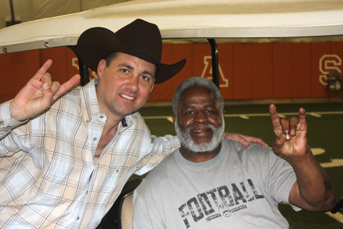 "Earl Campbell Gala ""kicks off"" Southern National Archery Festival"