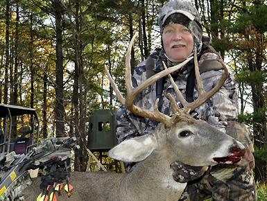 Heartland Hunt: Joe Byers Buck