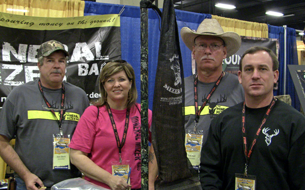 The staff at the Mineral Mizer Bag booth.