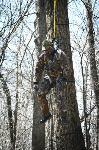 hanging6697 gear review tree spider speed harness bowhunting net live wire safety harness hunting at alyssarenee.co