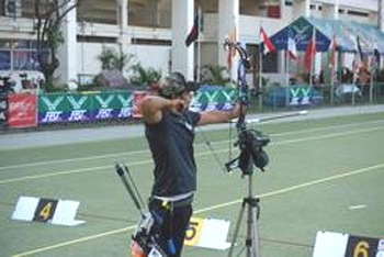 Indian Archer Makes History With Hoyt