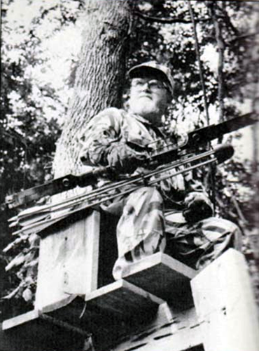 Photo of Combs appearing in a 1989 issue of Bow & Arrow Hunting