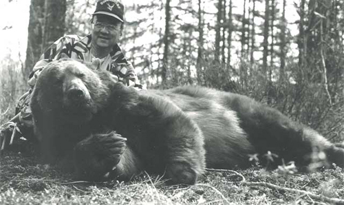 Notice that the left front foot was missing. This bear was 17 years old.