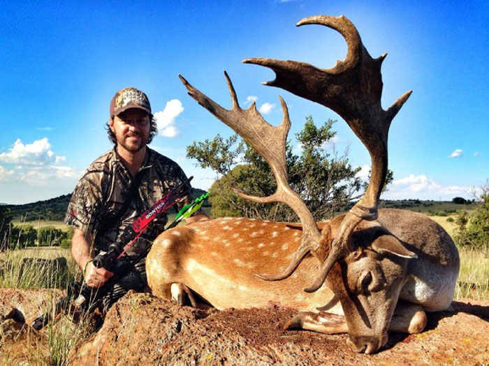 Another stunning trophy and equally beautiful photo of Pronk Safaris client, Shannon van Zyl's trophy Stag.