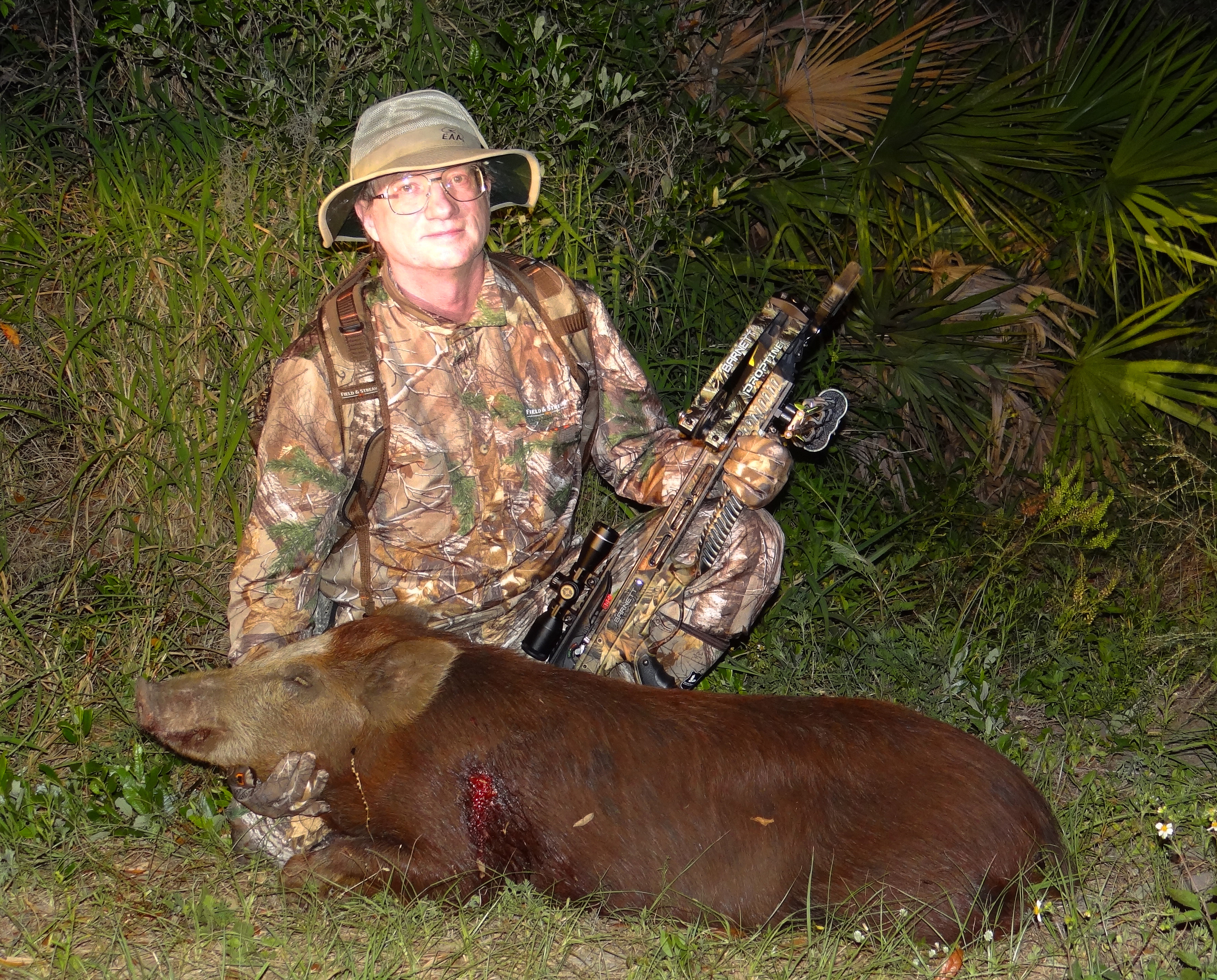 Tim Dehn of ArrowTrade magazine with his Florida WildHog