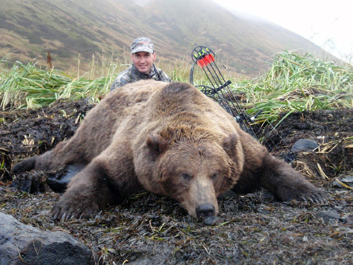I Took a Top-10 Grizzly Bear at 15 Yds