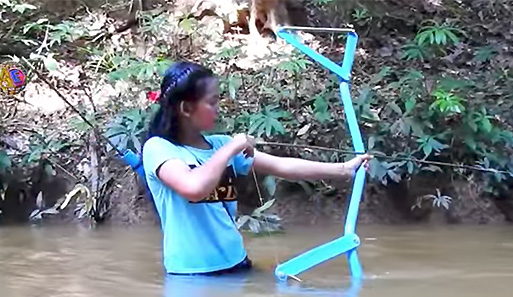 Amazing Girl Bowfishes Cambodia