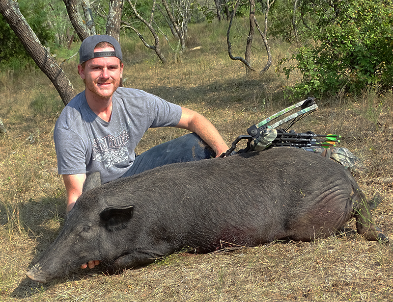 josh beckwith bowhunts for wild hogs.
