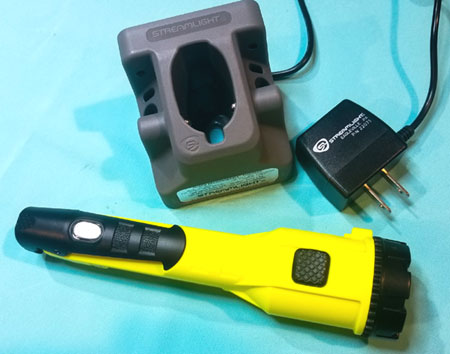 Gear Review: Sreamlight Dualie Flashlight