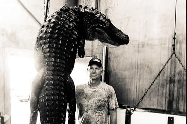 FLORIDA: Alligator Bowhunt